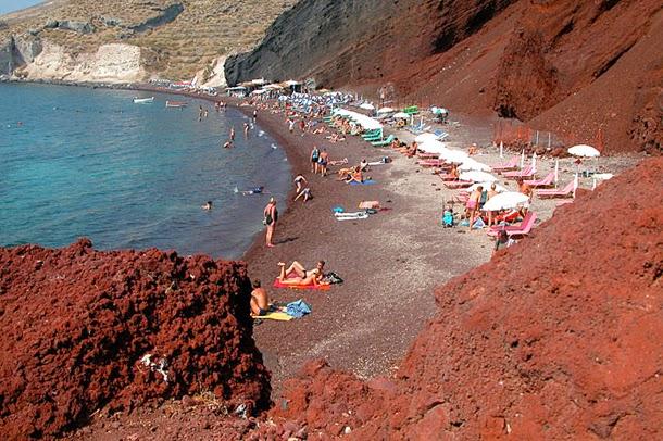 من أروع الشواطئ في العالم على خورة فقط ! red.jpg