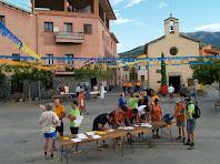 Inscrivint-se davant l'ermita de Santa Margarida