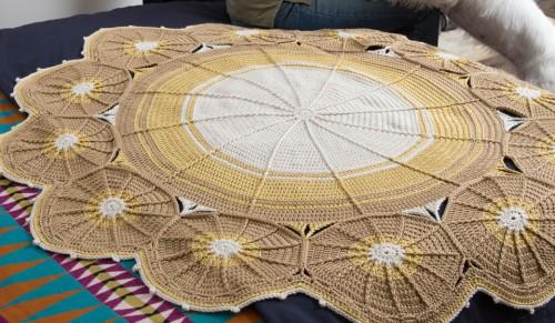 Going in Circles Blanket - Free Pattern