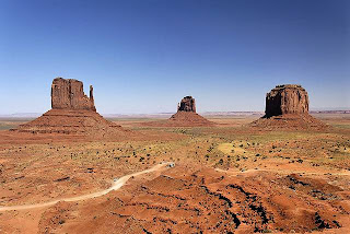 Monument Valley National Park Arizona-Utah (Best Honeymoon Destinations In USA) 1