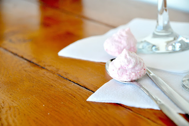 rose baiser laying on two spoons