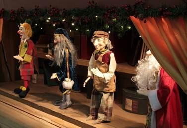 Boulevard São Gonçalo encanta as crianças com apresentação de marionetes