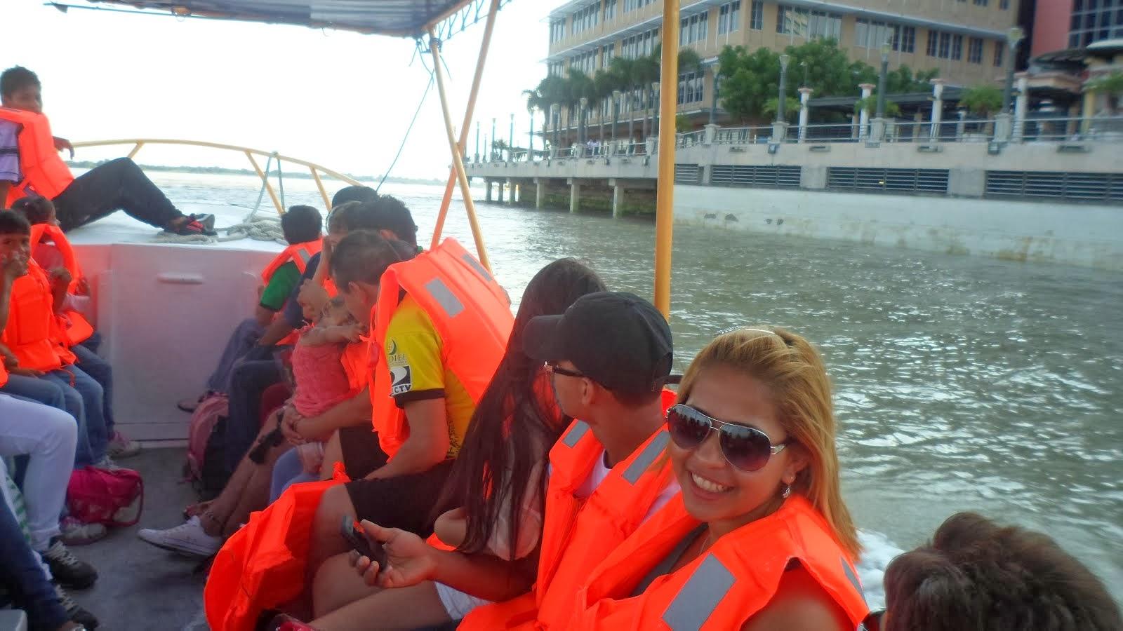 TOUR POR EL RIO GUAYAS / 35 MINUTOS