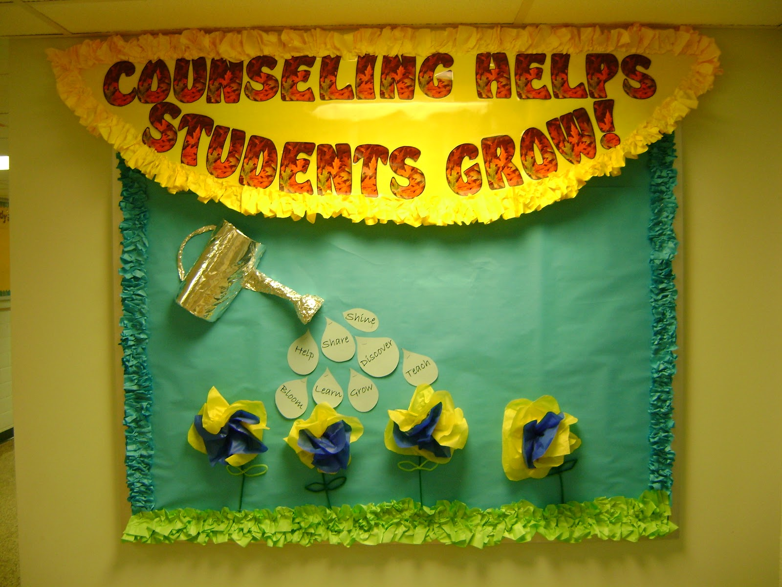 office bulletin board ideas yellow. Kick Off The Start To Your College Career- High School Counseling Bulletin Board | Inspiration Pinterest Boards, Office Ideas Yellow