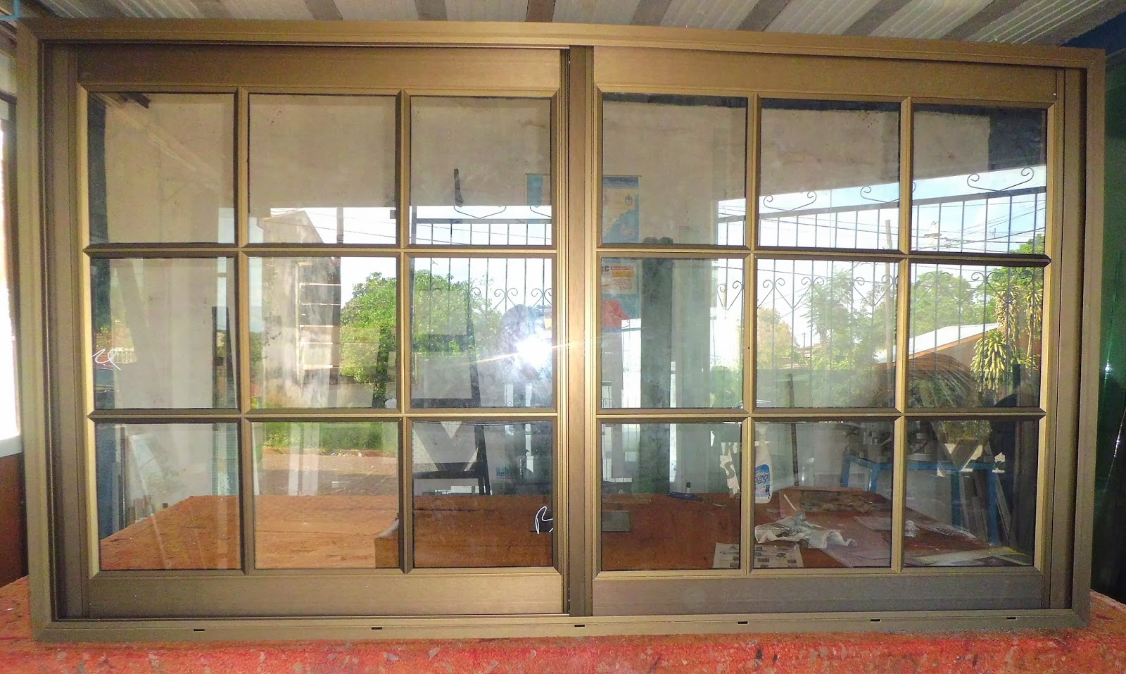 Guia de celulares redes sociales y paginas web vidriterm for Aberturas de aluminio puertas