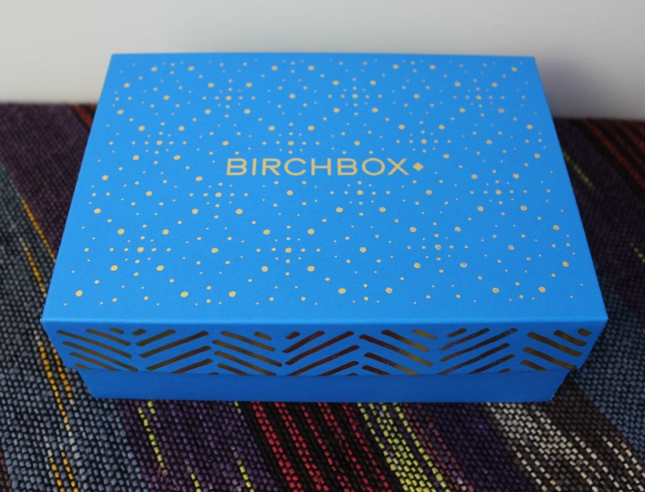 Birchbox December 2014 Review & Unboxing: Decked Out pretty blue and gold box