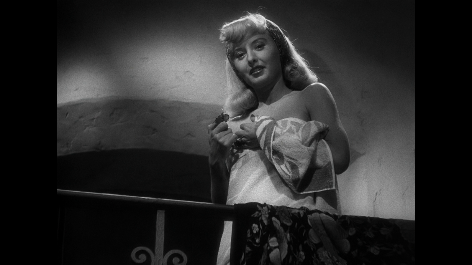 the role of a male victim in double indemnity a movie