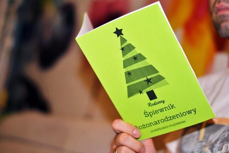rodzinny śpiewnik bożonarodzeniowy do wspólnego kolędowania, śpiewnik, kolędy, najpopularniejsze polskie kolędy, rodzinne kolędowanie, boże narodzenie, matka pracująca, matkapracujaca.pl, DIY, pobierz i wydrukuj