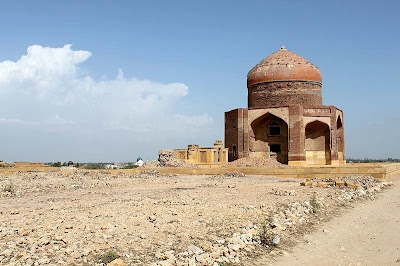Makli Hill Pakistan Wallpapers by cool wallpapers