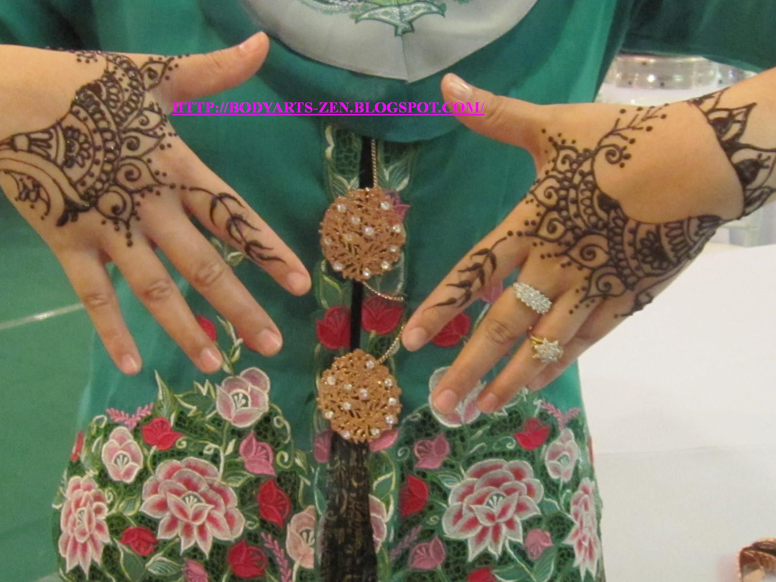 FACE PAINTING KL BODY ART HENNA TATTOO HENNA For Majlis Berinai