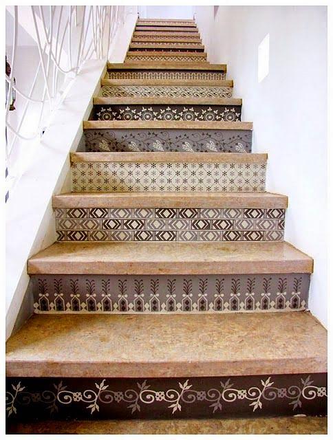M nica castillo escaleras como decorar los escalones for Escaleras de metal y concreto