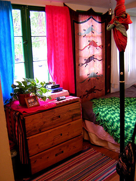 How To Decorate A Bedroom For Cheap