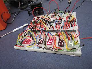 relógio digital CMOS
