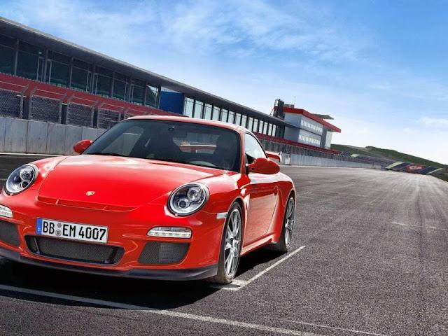 """<img src=""""http://1.bp.blogspot.com/-y0i5YhYrwzo/UtVy-6pWoEI/AAAAAAAAH2o/NIfq0xJXHlE/s1600/car-wallpapers-porsche-gt3.jpg"""" alt=""""Porsche car wallpapers"""" />"""