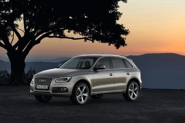 2013 Audi Q5 SUV Grey Wallpaper