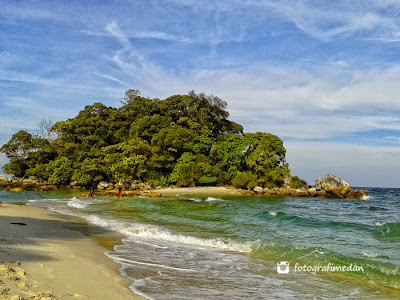foto keindahan pantai sokong nenek