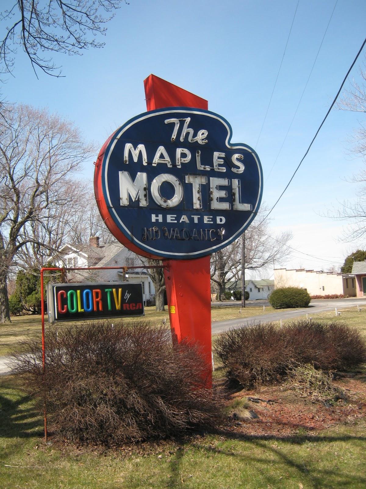 The Maples Motel - 4409 Cleveland Road West, Sandusky, Ohio U.S.A. - 2013