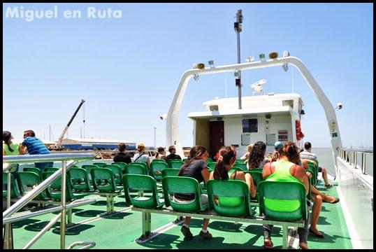 Ferry-Catamarán-Puerto-Santa-María