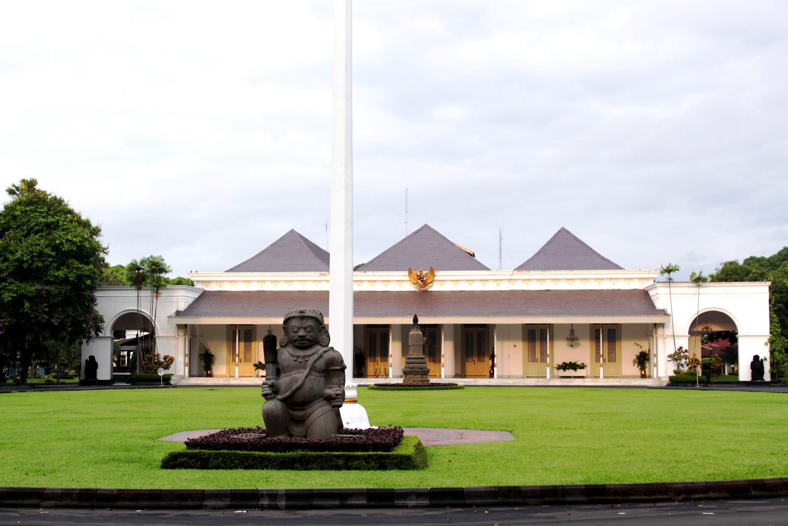 Resmi residen ke 18 di yogyakarta 1823 1825 ia seorang belanda