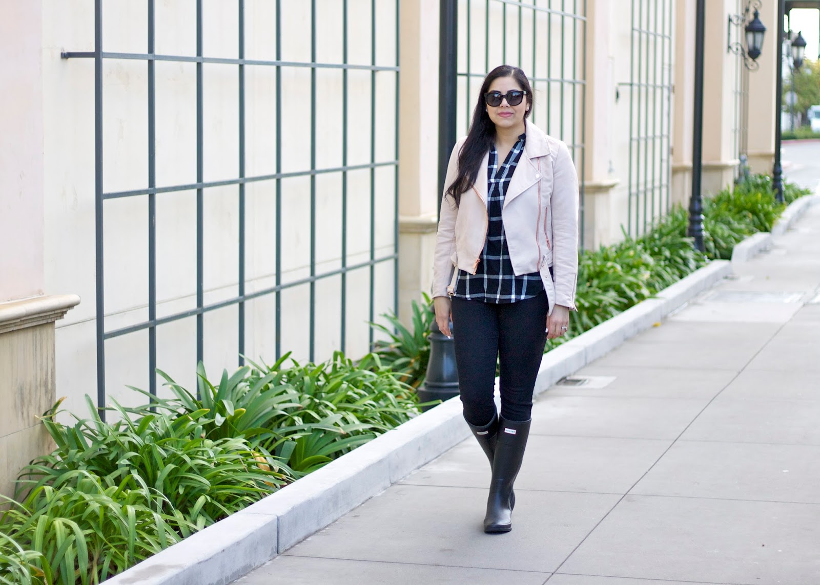 casual flannel outfit, how to wear a grid top, socal fashion blogger, so cal style blogger, winter 2016 outfit, casual winter 2016