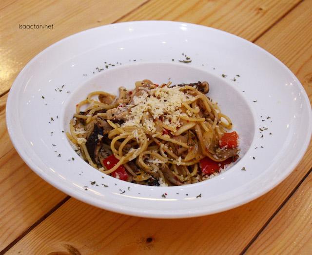 Funghi Oglio Olio Spaghetti