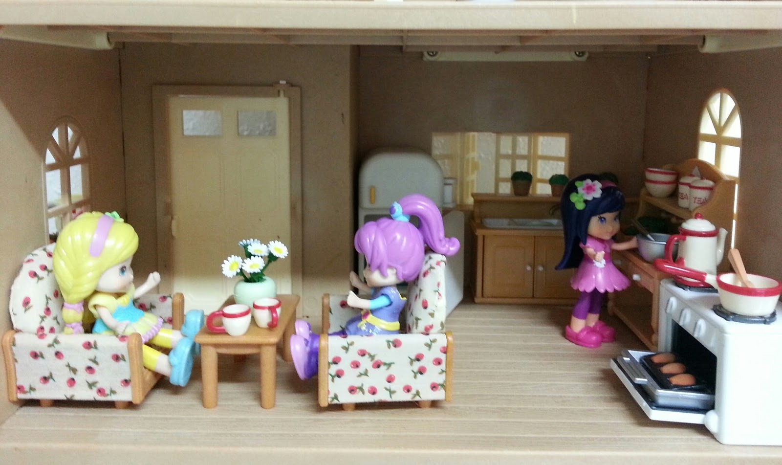 Strawberry Shortcake Mini Dolls And Sylvanian Families