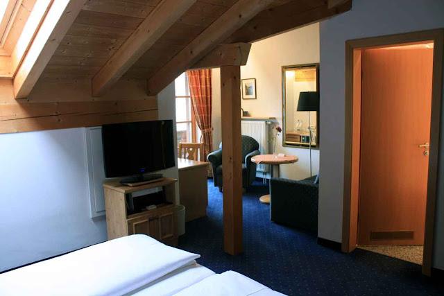 Unsere Suite unter dem Dach - gemütlich, nicht wahr? © Copyright Monika Fuchs, TravelWorldOnline