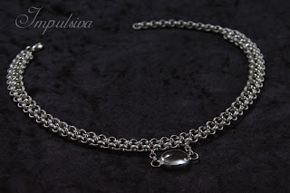 Silver necklace with a glass stone for woman, Impulsiva metal ciollection