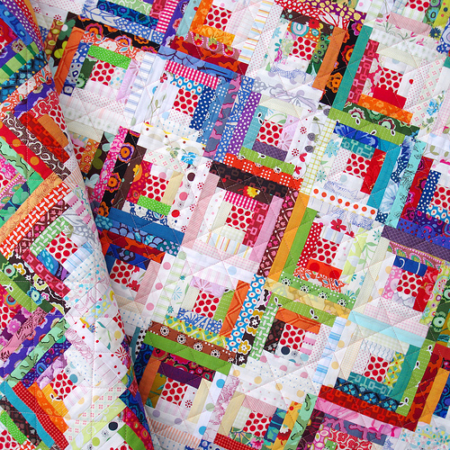 Red Pepper Quilts: Step Back in Time : log cabin quilt block history - Adamdwight.com