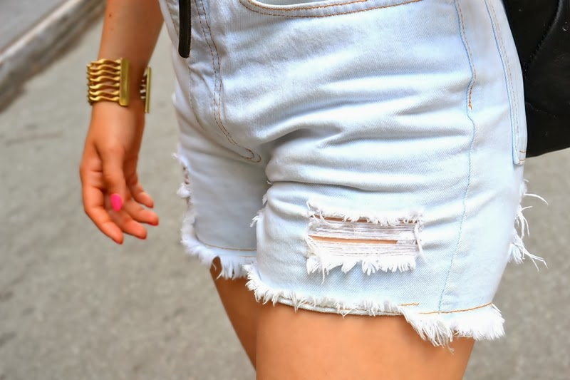 shorts pink nails bracelet manhattan newyork