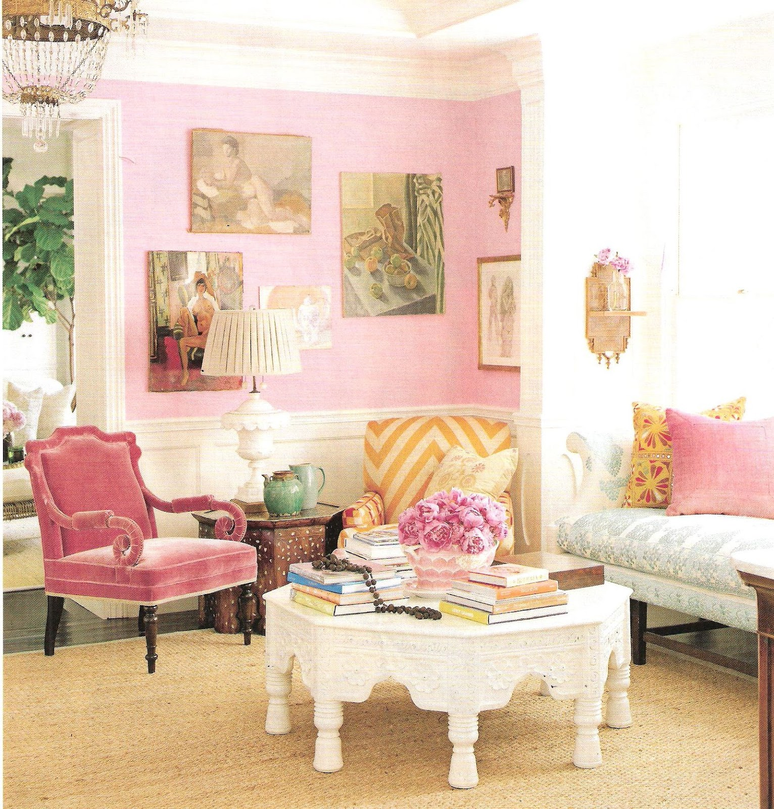 Design and decorating harmonique style april 2012 - Pink and gold living room ...