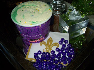 Cake Decorating Rouse Hill : The Uptown Acorn: I Scream for King Cake Ice Cream