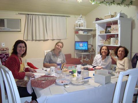 Minhas queridas e verdadeiras amigas arteiras: Maristela, Simara, Laurinha e Dona Julia.