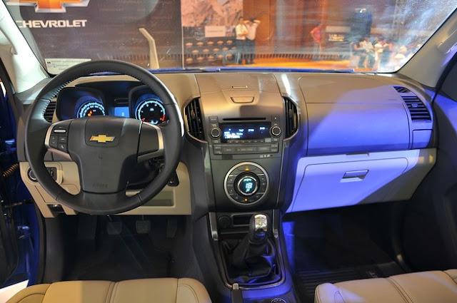Cabin xe Chevrolet Colorado LTZ
