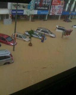 Gambar Banjir Teruk Di Bandar Kajang