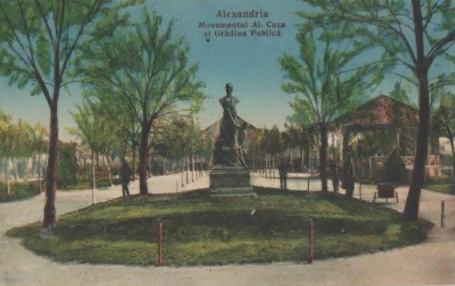 Monumentul lui Alexandru Ioan Cuza din Gradina Publica din Alexandria