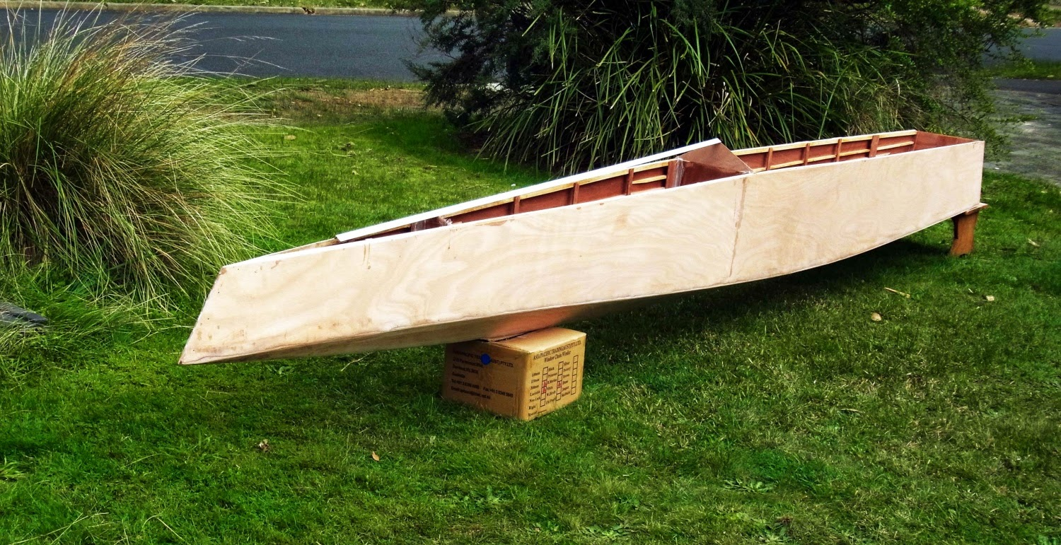 Building the stealth plywodd foiler by barry marmion for Construction plans