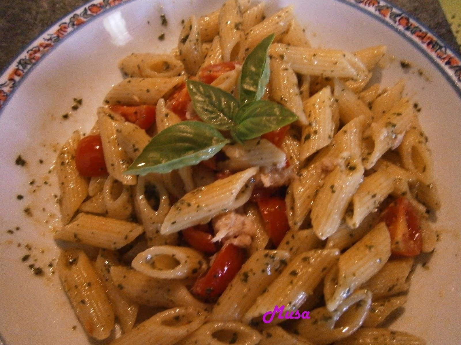 Pasta alla carlofortina ricetta tipica sarda con tonno - Secondi piatti da cucinare in anticipo ...