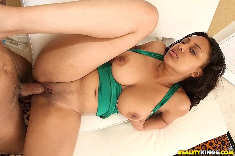 Порно видео секс с аппетитными бабами