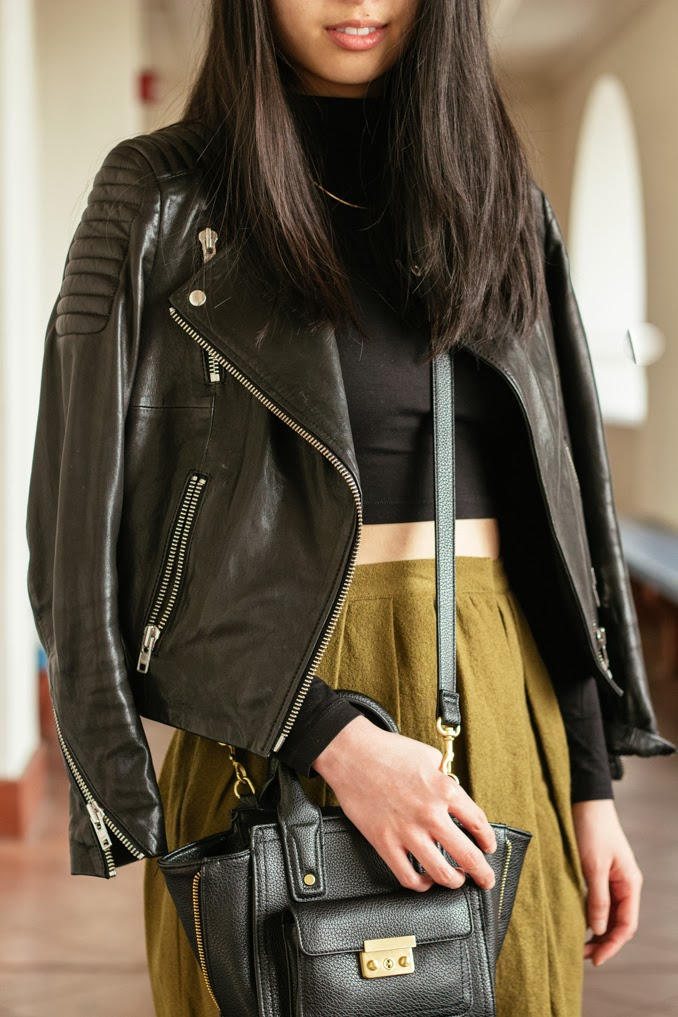 readytwowear, cropped top and high waisted skirt, sf fashion blogger