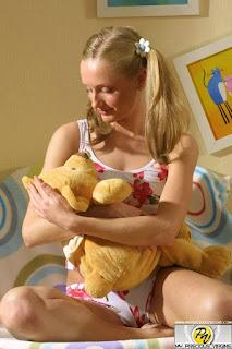 Nude Babes - sexygirl--1982-11-lg-778155.jpg