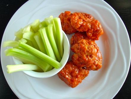 In the Long kitchen: Boneless Buffalo Chicken
