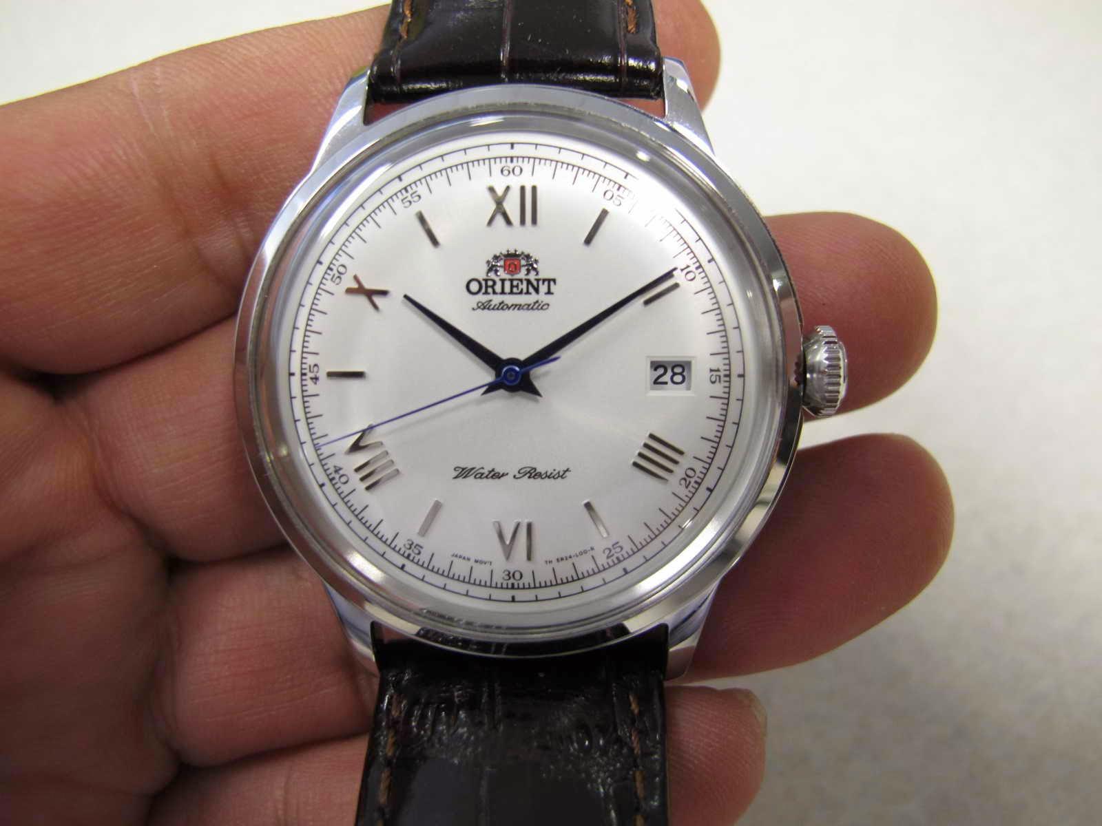 Cocok untuk Anda yang sedang mencari jam tangan model classic cantik automatic dengan harga terjangkau Dibalut dengan Dark Brown Leather Strap