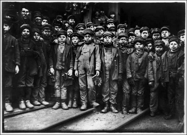 عجائب الدنيا وهل تعلم - عمالة الأطفال والحاية القاسية لعمال منجم للفحم يقع في جنوب بيتسون بنسلفانيا.