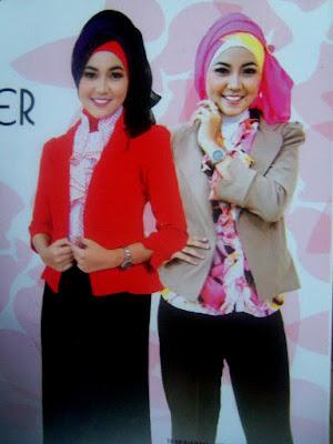 Fashion Blogger; Trend Setter; Jilbab; Hijab; Syar'i; Busana Muslimah