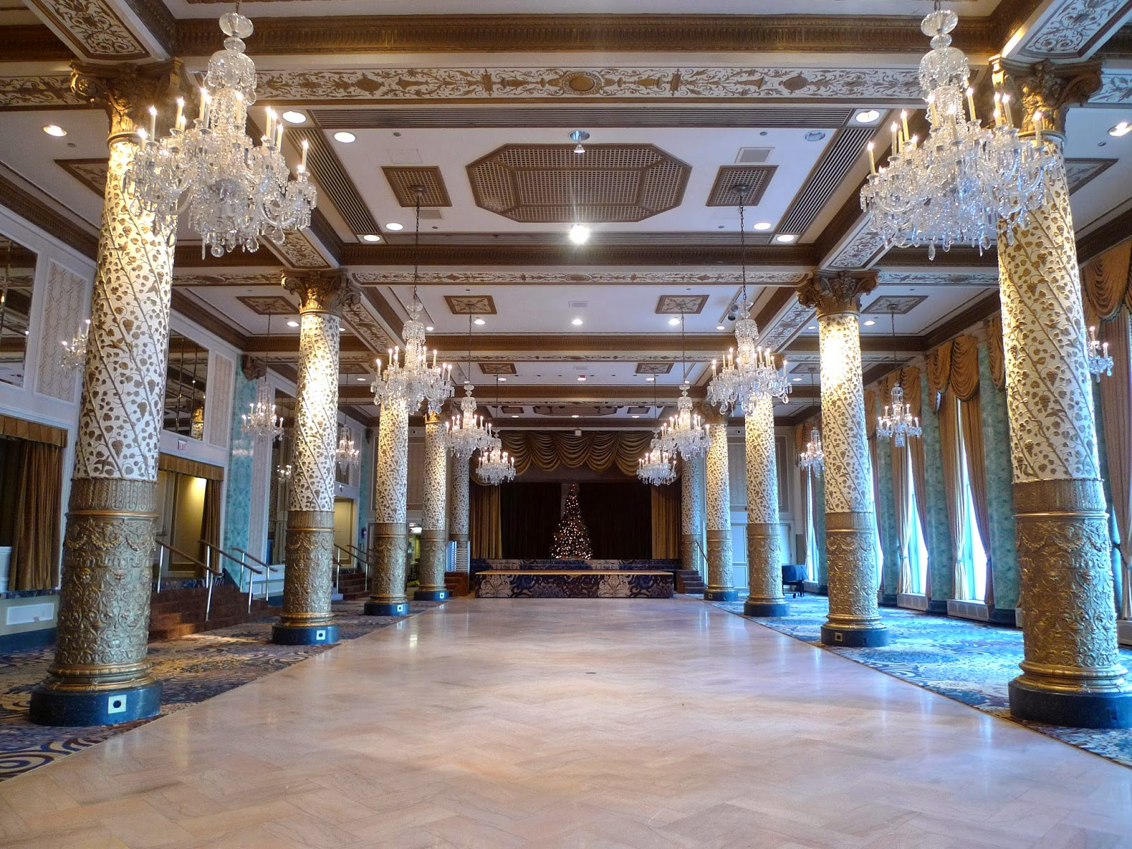 Cravate Noire The Drake Hotel Chicago Review And