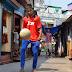 16χρονος από φτωχογειτονιά της Ινδίας στο Ολντ Τράφορντ για προπόνηση! [photos]