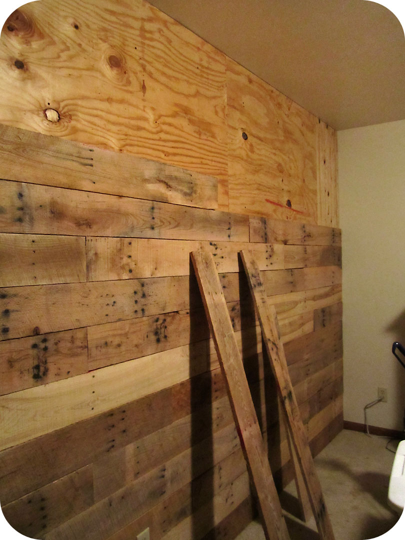 Jennadesigns october 2011 - Wooden pallet accent wall ...