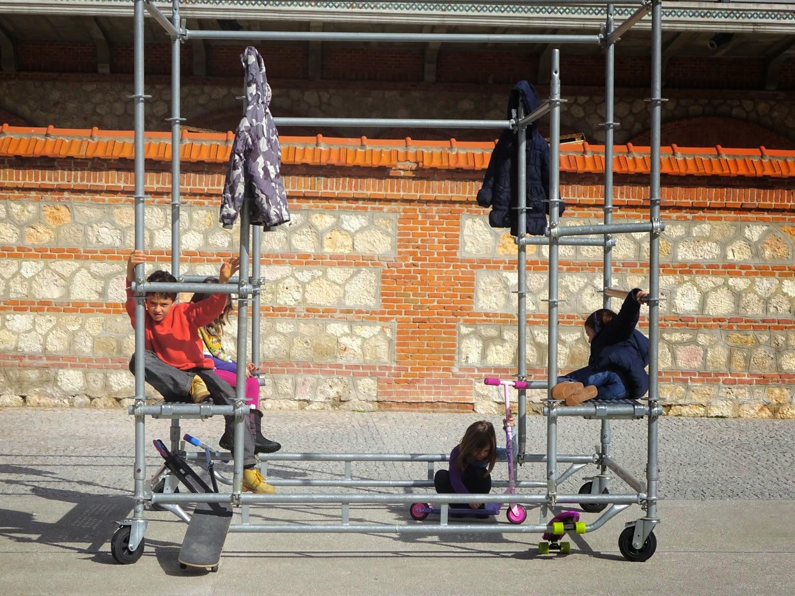 Matadero madrid las naves del español cultura cine teatro la cantina de matadero exposiciones guerrillas girls