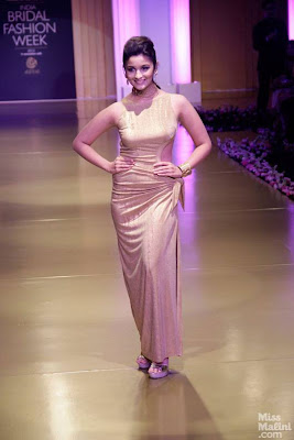 Gorgeous Alia Bhatt walks the ramp at the IBFW-2013
